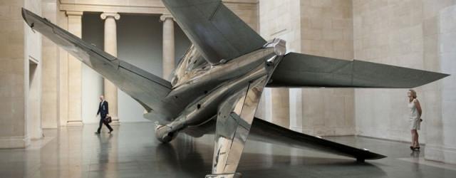 Fiona Banner heeft in Tate een collectie vliegtuigen gedropt. Hoe ze die daar binnen hebben gekregen wil ik niet weten, maar ze staan en liggen in diverse rare houdingen. Bij […]