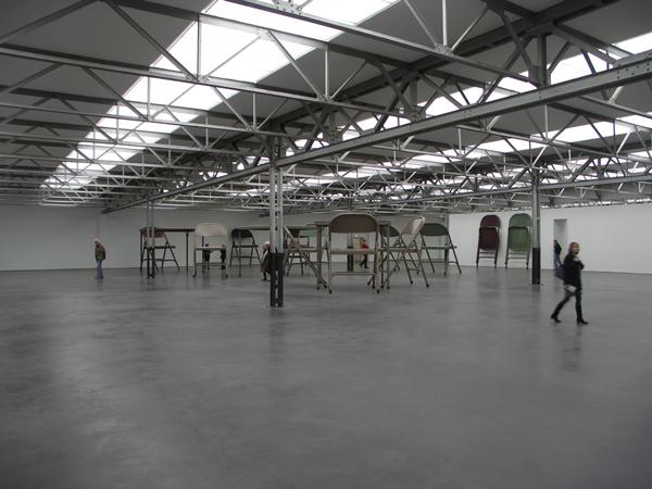 No title (foldering table and chairs, I beige, II dark brown, III Green) - Geverfd staal, aluminium en textiel (overzicht)