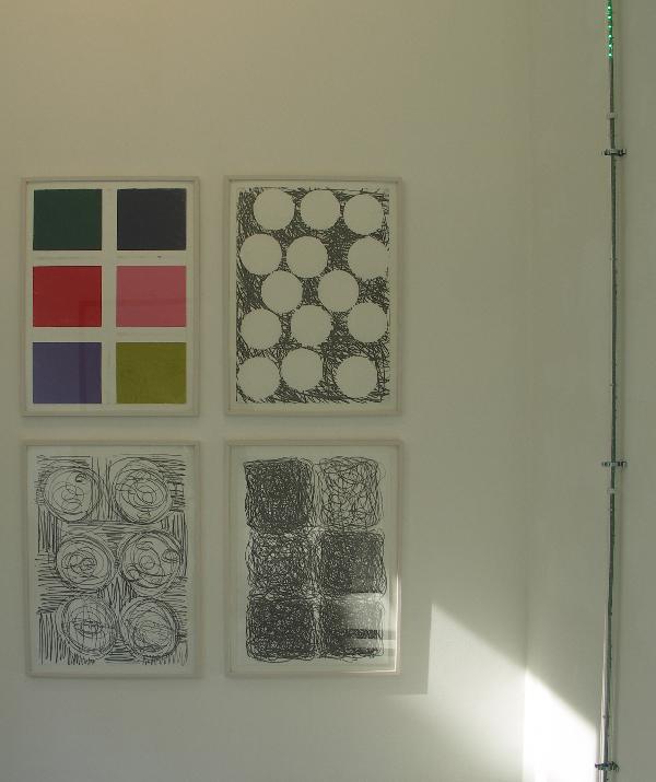 Piet Dieleman - Zonder titels - 76x56cm Grafiet en pastel op papier & Led in Line - Ledverlichting 300x5cm