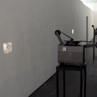 De laatste blogpost uit mijn Den Haag trip is NEST. Daar toonde tot afgelopen weekend Ruben Bellinkx (1975) zijn werk. De nadruk ligt op filmische werken, dus de ruimte is […]