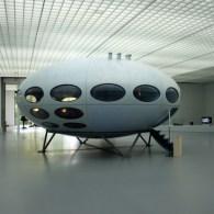 Boijmans heeft een aantal jaren geleden de Futuro gekocht. Een UFO om in te wonen. Daaraan koppelen ze wat design en kunst met een utopie. Dat kunstenaars iets met de […]