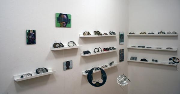 Kunstpodium T - Cyrus Kabiru
