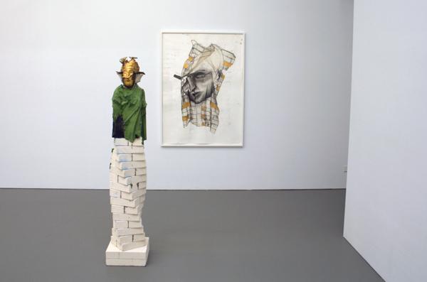 Matthew Monahan - Old Helix & een tekenwerk - Brons, bladgoud, pigment en mortel.