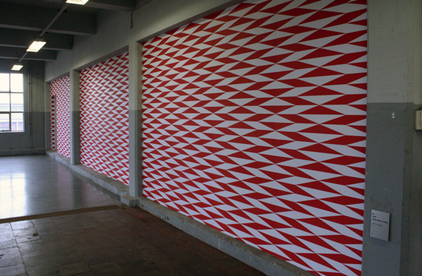 Jan van der Ploeg - Untitled - 168x119cm Offset poster installatie