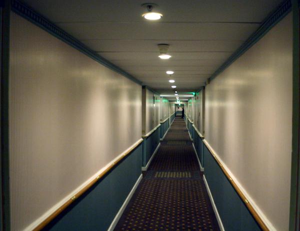Een van de eindeloze gangen