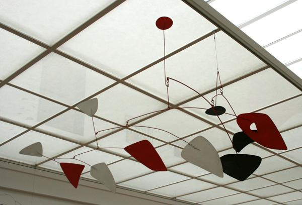 Alexander Calder - Onbekende Titel Mobile - Metaal en verf
