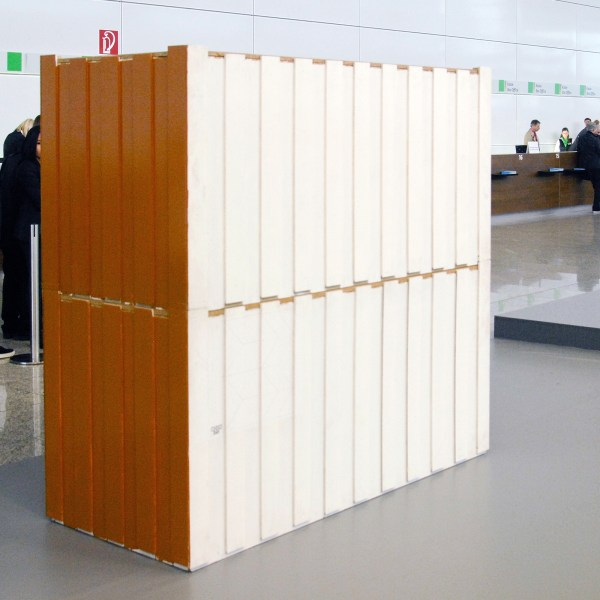 Manfred Pernice - Bell II, 1-14 (No 4+5) - 190x202x87cm Spaanplaat en kunsthars, 1998