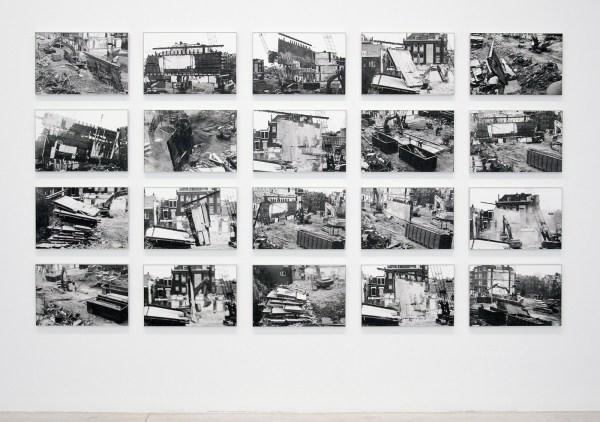 Aglaia Konrad - Demolition City - 20 handgemaakte zilveren gelatine prints op bariet papier, ingekaderd, 1992, 2016