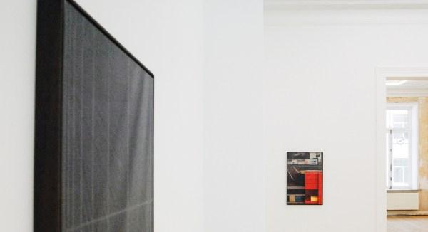 David Maljkovic - Aaassemblage 6 - 77x53x3cm Inkjet print op katoen, beschilderd met olieverf, gemonteerd op aluminium paneel met laser tekening (detail)