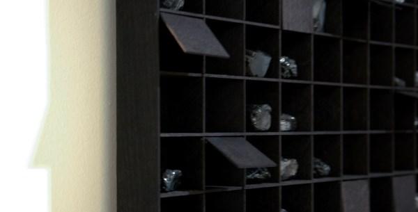 Levi van Veluw - Subdividing Matter I - 130x189x5cm Walnoot hout, zwarte inkt en kolen (detail)