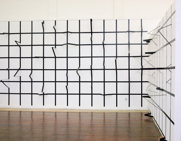 Esther Stocker - Untitled - Tape en foamboard op muur