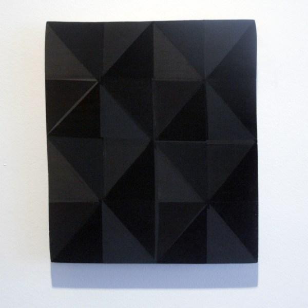Marielle Buitendijk - 8 Times Black - 18x22cm Pigment, acrylverf en snedes op eiken hout
