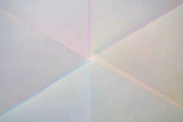 Marielle Buitendijk - Aardekleuren MH 315, RAL 6011, RAL 8017 - 103x132cm, Spuitbus en snedes op papier (detail)