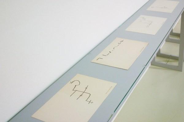 stanley brouwn - this way brouwn - Viltstift, inkt, potlood en stempel op papier, 1964