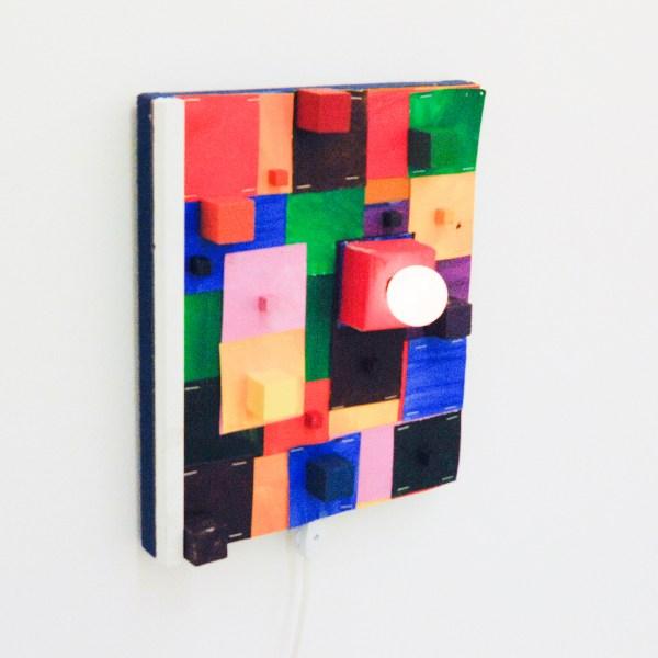 Austin Eddy - Match Maker, Match Maker - 40x30cm, Papier, hars, nietjes, textiel, punaises, schuim, olieverf, acrylverf, licht