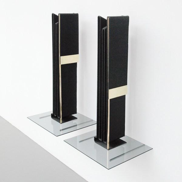 David Jablonowski - Hybridanleihe (risk management) I & II - 91x48x40cm, 3D print (koolstofvezel en polyporpuleen, messing, getint glas en aluminium