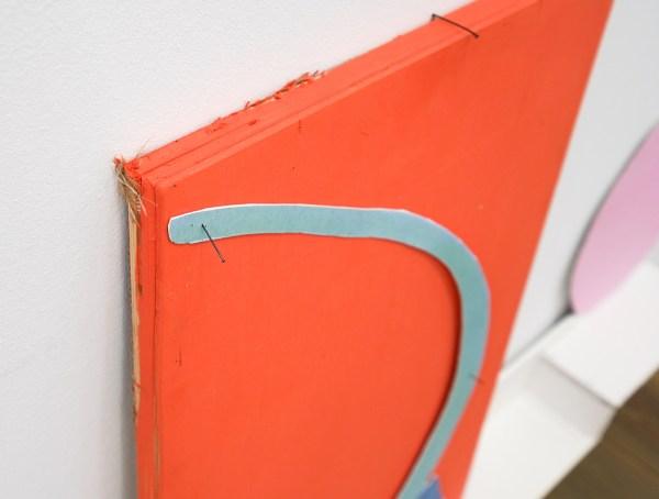 Paul Drissen - The Present, Present, Present - 61x147x11cm Hout, gesso gouache, papier en stalen naalden (detail)