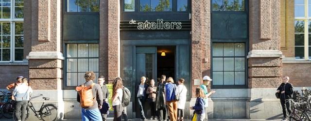 Afgelopen week opende postacademische instelling De Ateliers haar deuren weer. De 10 kunstenaars die er de afgelopen twee jaar afgeschermd van de buitenwereld hebben gewerkt laten zien wat daar gebeurd […]