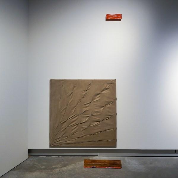 Antonietta Peeters - 2018 - Keramiek & 2019 (14-6-19) - Acrylverf op gestikt linnen & 2018 -Porselein