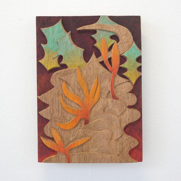 Alejandra Venegas - Tercorral - 35x25cm Gesneden cederhout en gouache en encaustiek