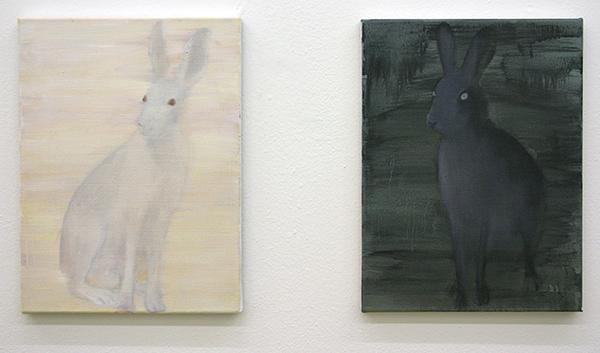 Anne van As - White Hare & Black Hare - 40x30cm Olieverf op linnen
