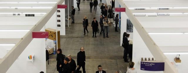 Vandaag opent de nieuwe editie van Art Brussels. Daar waar deze voorgaande jaren min of meer samenviel met Cologne (wat ook niet zo heel ver weg is van Brussel) zijn […]