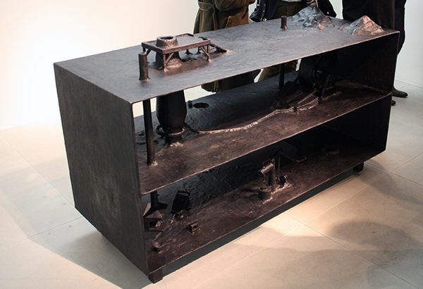 Atelier van Lieshout - Blastfurnace - 110x180x70cm Brons