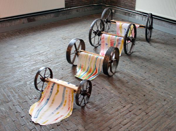 Cornelis Rogge - 4 Wagentjes met Aquarellen - 100x35cm Vier wagentjes met aquarellen