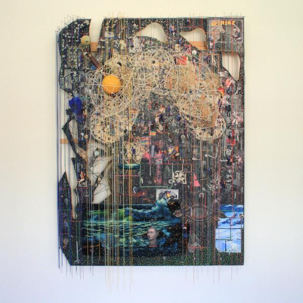 Elliot Hundley - 204x156cm Let the Whole House Crash, Season IV - Hout, inkjet, papier, metaal, foto's, plastic glas en textiel
