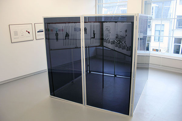 Falke Pisano - Prison Work (From the Serie The Body in Crisis) - Installatie