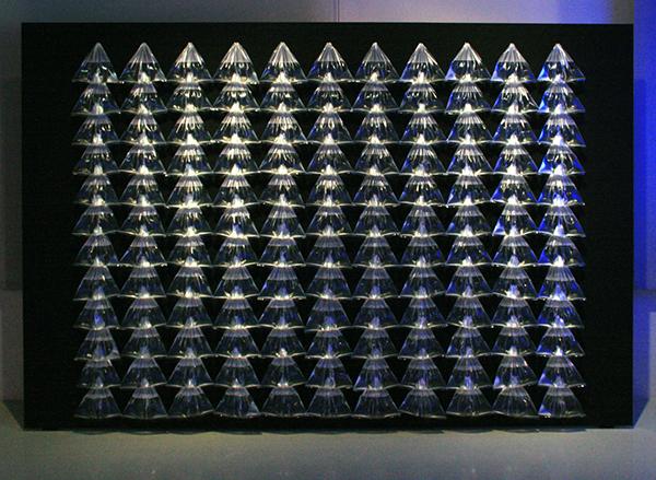 Henk Peeters - Aquarelle - 200x300cm, Waterzakjes en hout 1964 (reconstructie 2013)