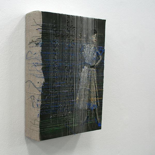 Hinke Schreuders - Works on paper #33 - 26x18x6cm Garen op papier op doek (detail)