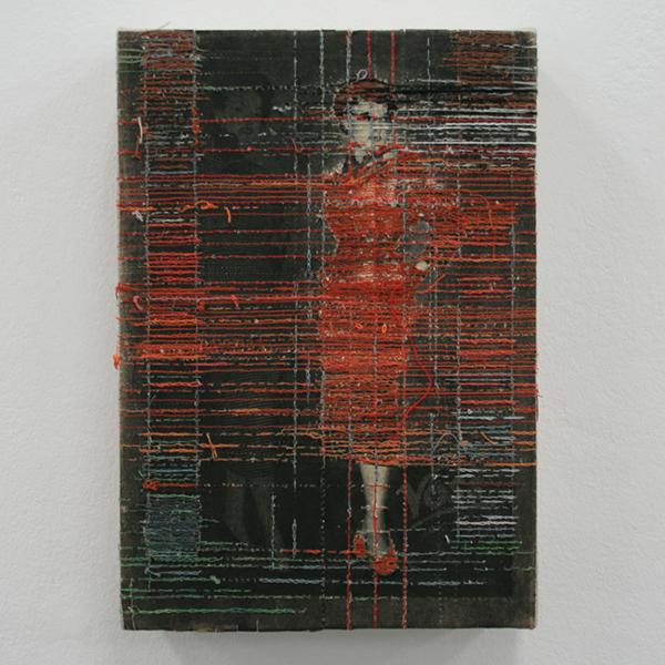 Hinke Schreuders - Works on paper #34 - 26x18x6cm Garen op papier op doek