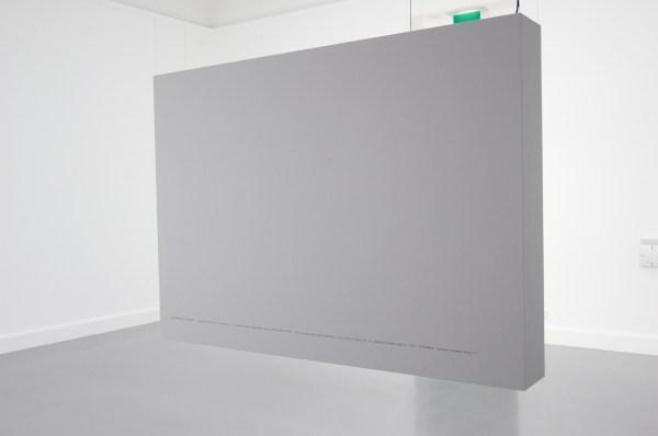 Hito Steyerl - The War According to eBay - 6 lichtbakken