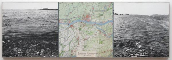 Jan Dibbets - Merwede - Foto, inkt, landkaart, etiket en wat plakband