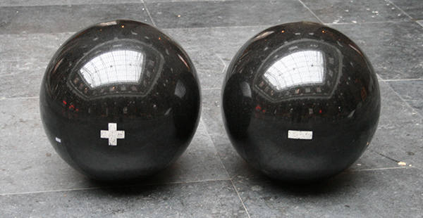 Jan van Munster - Accu voor Twee - Zwart graniet