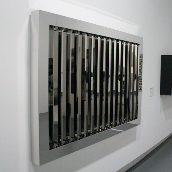 Jeppe Hein - Mirror Billboard - Aluminium, spiegels en motor