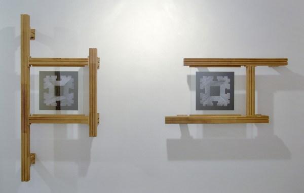 Jonas Wijtenburg - Internal Validity #5 - 170x77x22cm & Internal Validity #6 - 67x129x22cm Iroko hout, roestvrij staal, C print