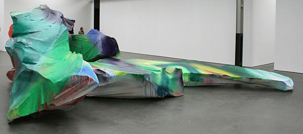 Katharina Grosse - Zonder Titel (4 maal) - Acrylverf op gelamineerd styrofoam 2009
