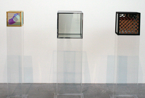 Larry Bell - Untitled, Untitled & Untitled - Glas, metaal en hout