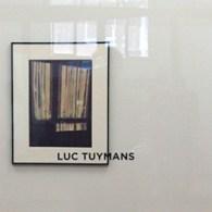 Volgens mij mag ik zonder enig probleem stellen dat Tuymans een van de belangrijkste hedendaagse kunstenaars is op dit moment. Toptentoonstellingen overal en verkoopt als zoete broodjes.Dat laatste is een […]