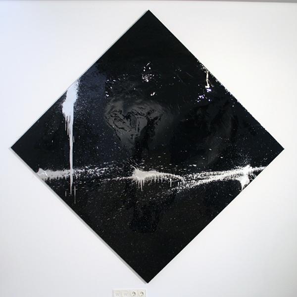 Marc Bijl - Abstract Activism - 170x170cm Epoxy en verf op doek