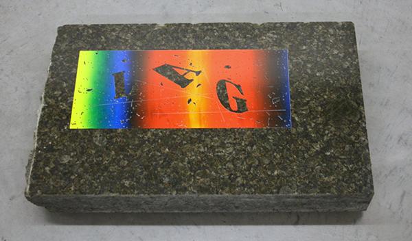 Marc Oosting - Iag - 43x79x10cm Zeefdruk op graniet