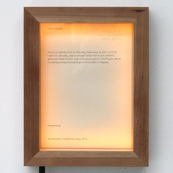 Pawel Kruk - Certificate - 18x23x5cm Papier, hout en licht