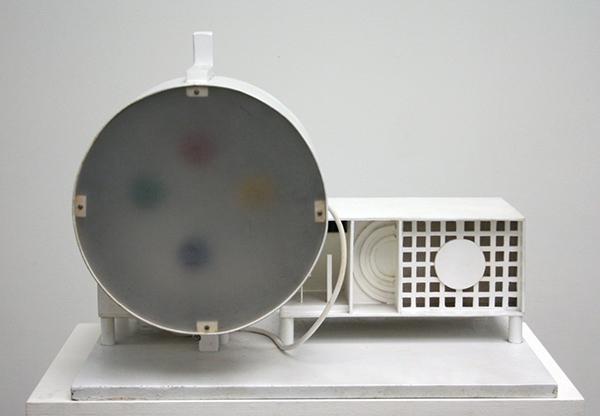Piero Gilardi - Discussie machine - Hout en electronica