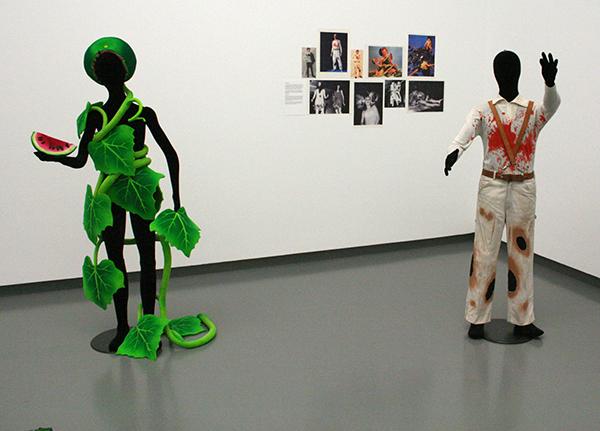 Piero Gilardi - Natuurkostuum & Stemmingskostuum - Polyuerthaan schuim & Machinaal bewerkt textiel