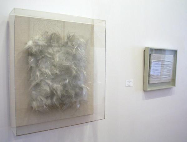 Piero Manzoni - Achrome - Glaswol, hout, polystteenschuim en textiel & Piero Manzoni - Onbekende titel