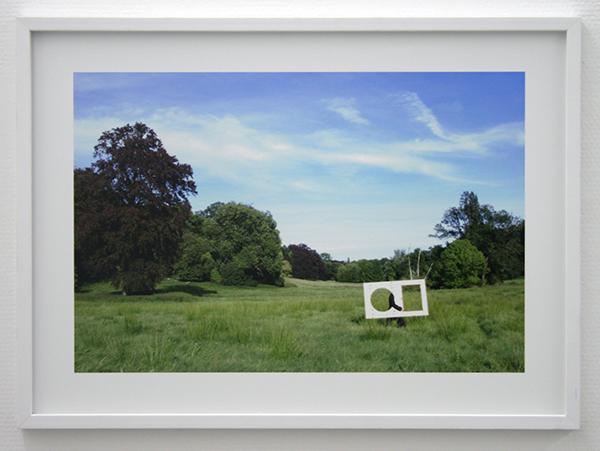 Pieterjan Ginckels - Into The Wild iPod - 46x64cm C-Print op dibond