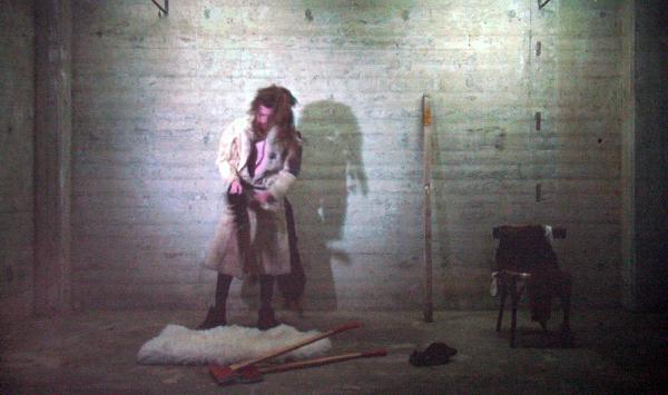 Robert van Luijk - Ritual of a Dutch Bushman Tribe Member - 8,50minuten Performance registratie