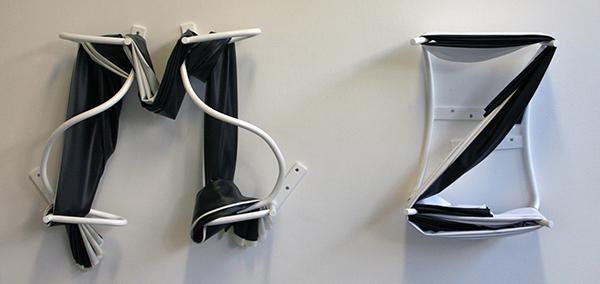 Ruben Grilo - M-Src 'EmScreen' & Z-Scr 'ZedScreen' from Screen Alphabet 0 HIgh Gain projectiedoek gespannen op geschilderde stalen buis